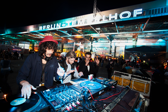 Das Berlin Festival 2010, schon dort im Rahmen der Berlin Music Week und auf dem stillgelegten Flughafen Tempelhof