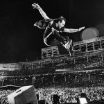 "Pearl Jam: Eddie Vedder live in Chicago – PR-Foto zu ihrem Livefilm ""Let's Play Two"" von Danny Clinch"
