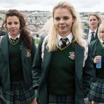 Von links nach rechts: James Maguire (Dylan Llewellyn), Michelle Mallon (Jamie-Lee O'Donnell), Erin Quinn (Saoirse Jackson), Orla McCool (Louisa Harland), Clare Devlin (NIcola Coughlan) (Foto: Netflix)