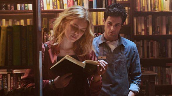 Es könnte so schön sein: Beck und Joe in dem Buchladen, in dem sie sich kennenlernen. (Foto: Netflix)